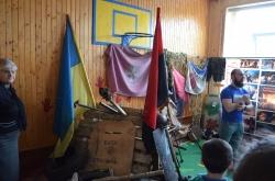"""Школа с. Яворів - проект """"Гідність""""."""